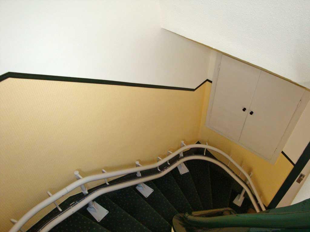 Farbgestaltung treppenhaus altbau  Kleines Treppenhaus | Malermeister Busenbecker